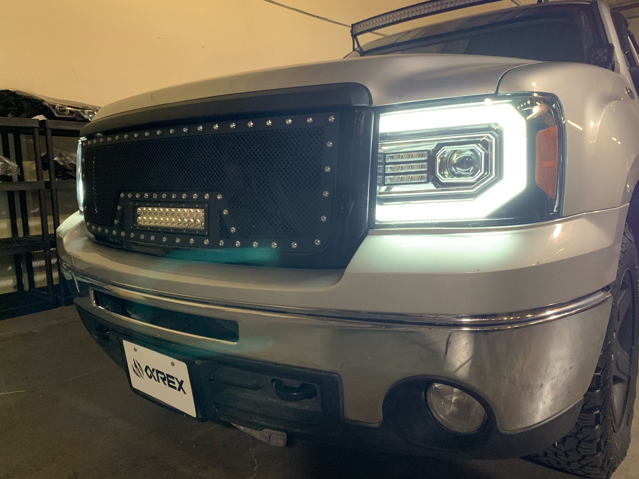 DRL picture 2007 2008 2009 2010 2011 2012 2013 GMC Sierra PRO-Series Projector Headlights