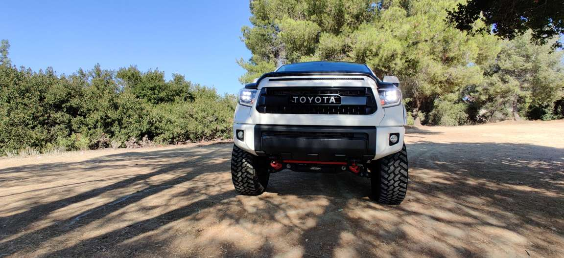 2014 2015 2016 2017 2018 2019 Toyota Tundra NOVA-Series Full LED Projector Headlights
