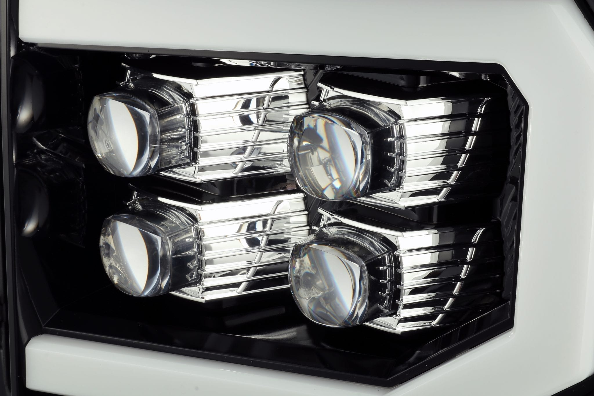 2007 2008 2009 2010 2011 2012 2013 GMC Sierra NOVA-Series Projector Headlights Jet Black