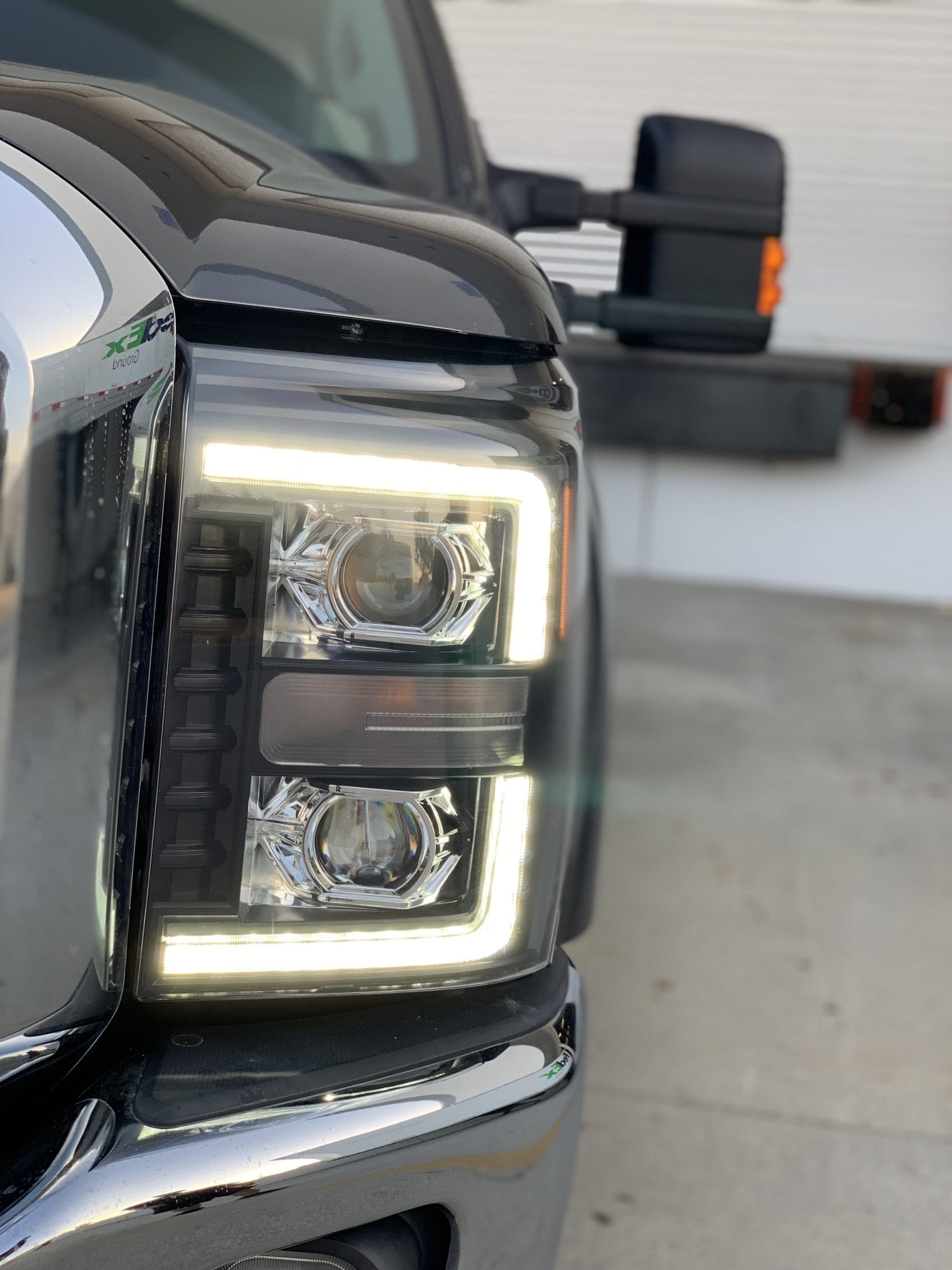 2011 2012 2013 2014 2015 2016 Ford F250 F350 F450 F550 Super Duty PRO-Series Projector Headlights Black