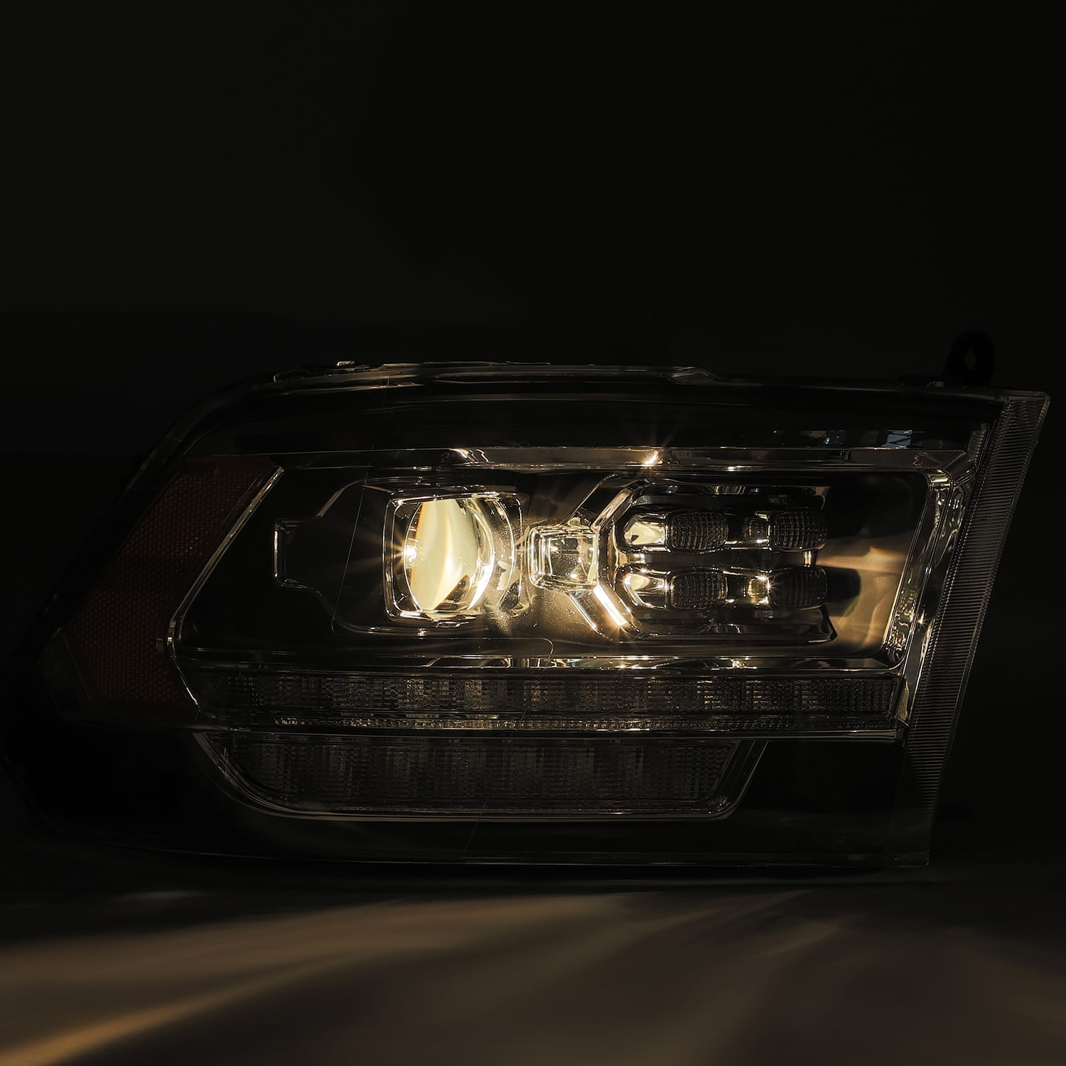 2009 2010 2011 2012 2013 2014 2015 2016 2017 2018 Dodge Ram 5th Gen 2500 Style PRO-Series Projector Headlights