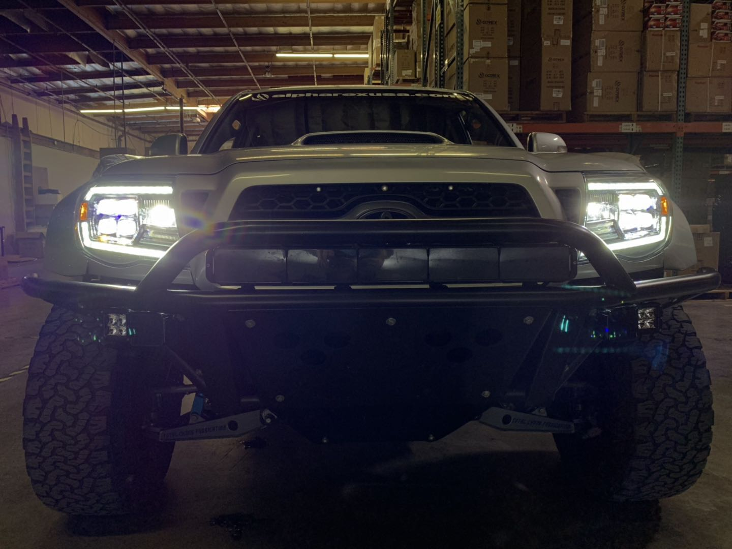 2005 2006 2007 2008 2009 2010 2011 Toyota Tacoma NOVA-Series LED Projector Headlights