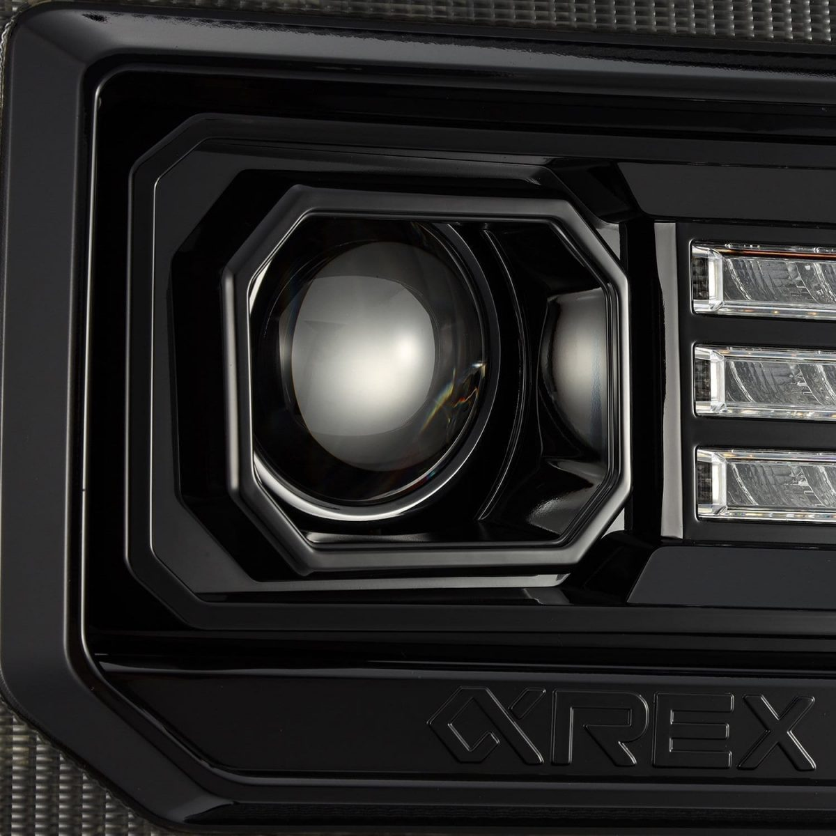 2014 2015 2016 2017 2018 GMC Sierra PRO-Series Halogen / LUXX-Series LED Projector Headlights